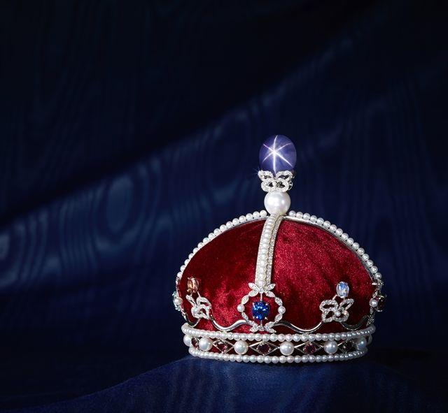 時価3億円のスターサファイアの王冠